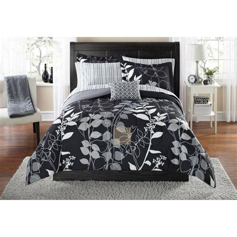 walmart bed sets king black and white king size comforter slunickosworld com
