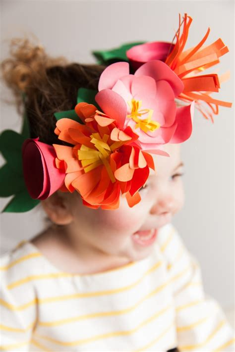 How To Make Crowns Out Of Construction Paper - hello wonderful 11 gorgeous ways to make paper flowers