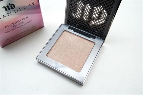 decay afterglow highlighter in the beautynerd