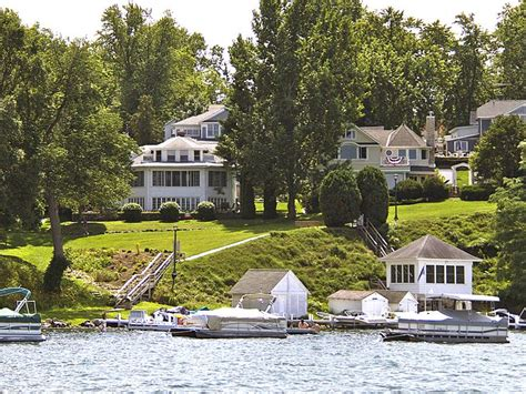 Lake Geneva Wisconsin Cabins by Pin By Carr On Bed And Breakfast Beautiful Rooms And Houses