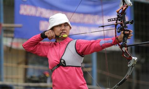 Busur Panah Untuk Atlet Ami Atlet Panah Kota Depok Butuh Tempat Latihan Komite Olahraga Nasional Indonesia Kota Depok
