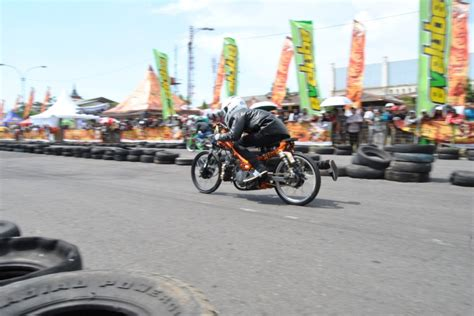 Foto Motor Drag Gila by Drag Bike Imi Jateng Cup 2012 Eko Kodox Menang Di 9 Kelas