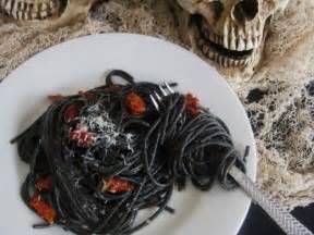 Easy Potluck Main Dish Ideas - how to throw a halloween themed dinner party