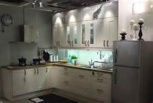 Kitchen Designs For L Shaped Kitchens White Colour L Shape Kitchen Design