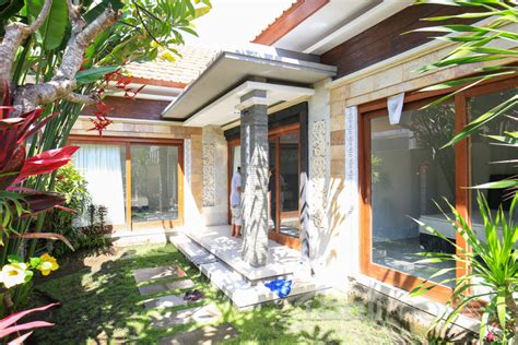 2 3 bedroom house for rent two bedroom clean modern house sanur s local agent
