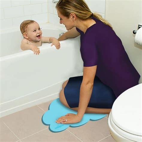 bathtub kneeler baby bath tub kneeler safety 1st tubside kneeler and step