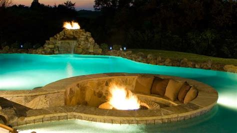 Water Features, Fountains & Fire Displays   Traditional
