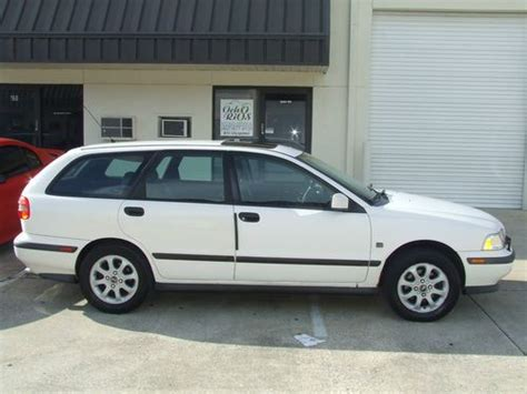 purchase   volvo  base wagon  door   winter springs florida united states