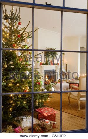 living room  open fire christmas decorations  tree