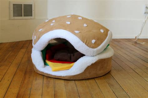 the cats paw botique hamburger cat and small bed