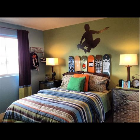skateboard bedroom furniture 1000 ideas about skateboard decor on pinterest surfing decor skateboard headboard and