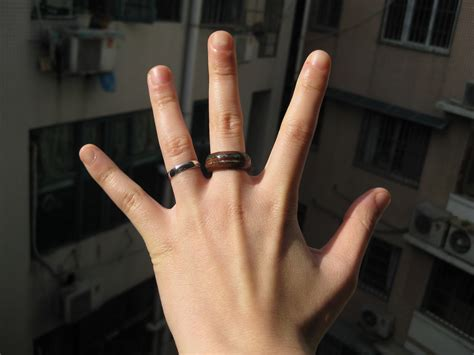 Wedding Ring On Middle Finger by Engagement Ring Middle Finger
