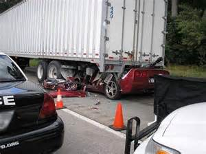 car lawyer new york caution graphic texting while driving kills from