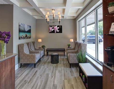 doctor office decorating themes best 25 doctors office decor ideas on