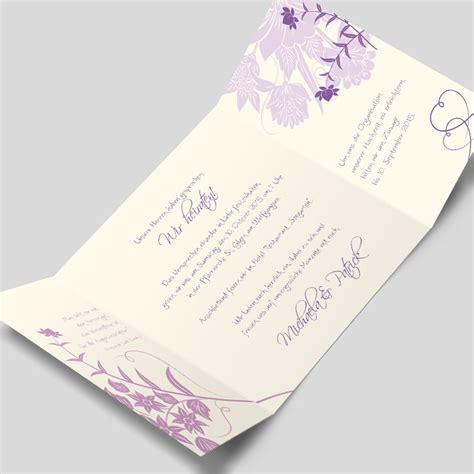 Hochzeitseinladung Floral by Hochzeitseinladung Florale Elemente In Flieder