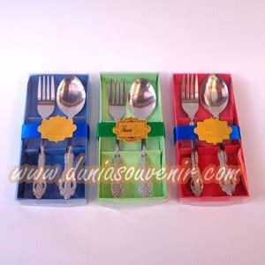 Souvenir Sendok Garpu Besar dunia souvenir sendok garpu makan box besar