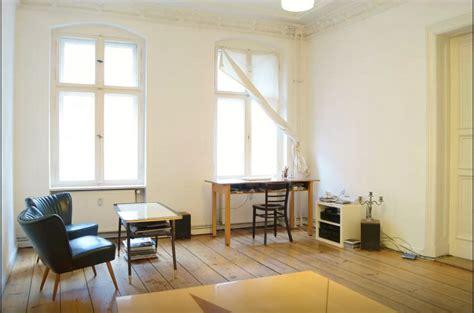 wohnzimmer berlin ger 228 umiges und minimalistisches wohnzimmer in berlin mitte
