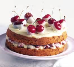 kirsche kuchen birthday cake center cherry cakes