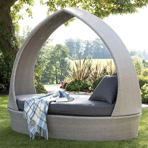 garden chairs loungers  day beds   laid