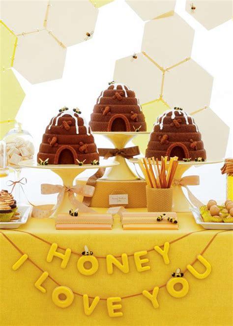 38 honey themed wedding ideas all things wedding bee bakerella cake