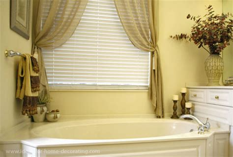 bathroom window decorating ideas your bathroom window and how to treat it