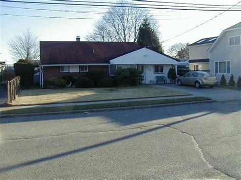 hicksville houses for sale homes for sale in hicksville new york mls 2255449