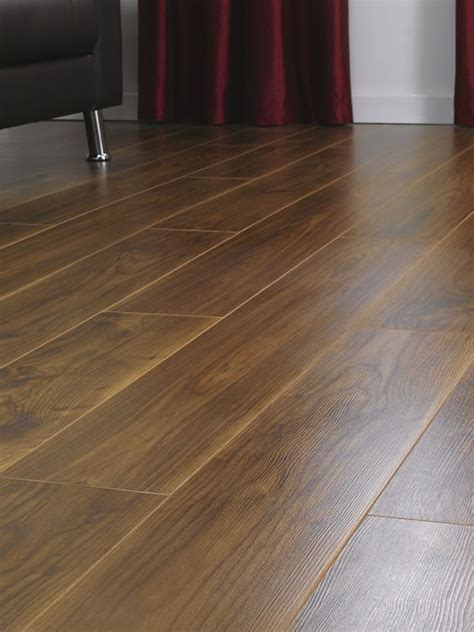 Laminate Flooring Uk by Kronospan Vario 8mm Virginia Walnut Laminate Flooring