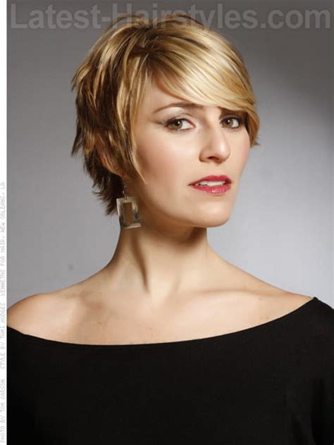 Shaggy Hairstyles Longer In The Front | pixie haircuts with shag in front superb short shag