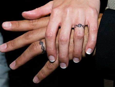 ring tattoo finger kosten 1000 ideas about couples ring tattoos on pinterest