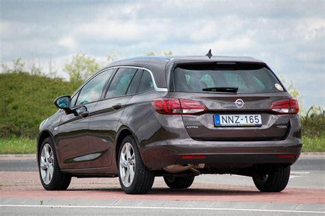 Opel Astra 1 4 by Totalcar Tesztek Opel Astra 1 4 T Sports Tourer 2016