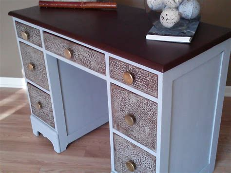 Painting Wood Desk by Salvaged Wood Desk Transformed With Chalk Paint