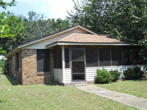 1920 w maxwell st pensacola florida 32501 foreclosed
