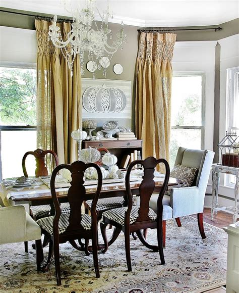 decorating the dining room fall decorating ideas for the dining room