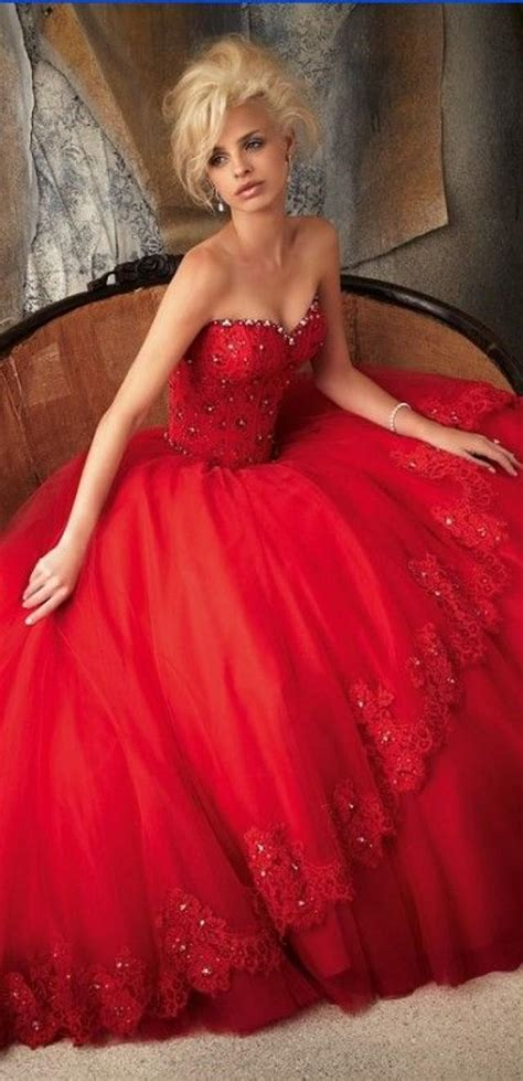 Colourful Wedding Gowns by Wedding Theme 10 Colourful Wedding Gowns 2254588 Weddbook