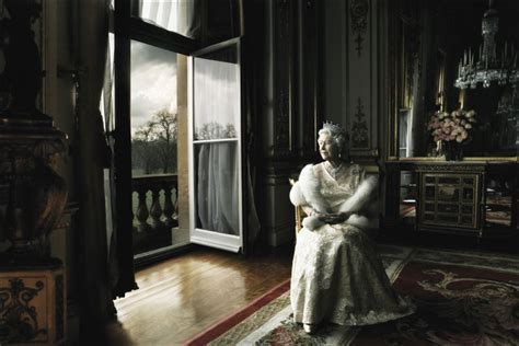 the life of annie leibovitz the reel foto a royal portrait queen elizabeth ii by annie leibovitz