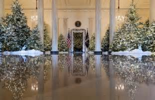 2017 white house christmas decorations in pictures to