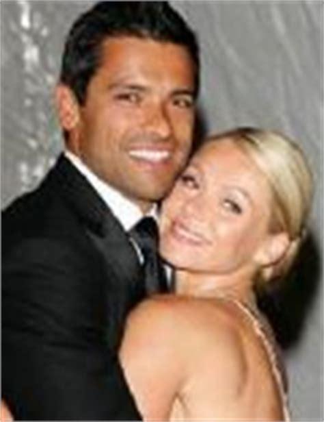 mark consuelos actor pics videos dating news who is kelly ripa dating kelly ripa boyfriend husband