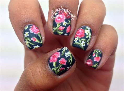 Beautiful pictures with Flower nail designs