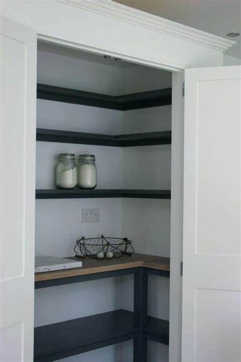 idea  black  wood tone   pantry