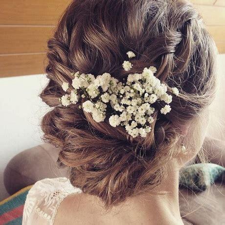 Hochzeitsfrisur Geflochten Blumen by Brautfrisur Mit Blume