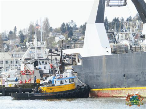 defender fishing boat alaska global seas f v defender alaska pollock fishery naknek