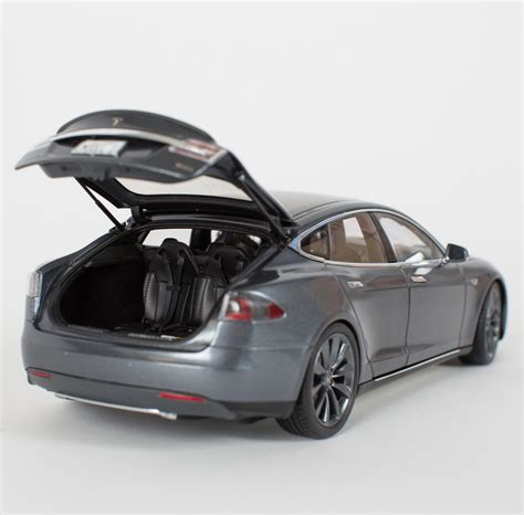 Tesla Model S P85 Top Speed Can T Afford A P85 Model S Tesla Offers You 1 18 Scale