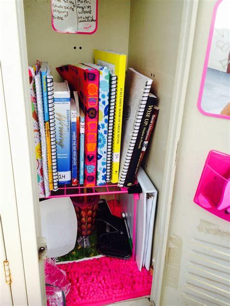 ways  decorate  small locker wikihow