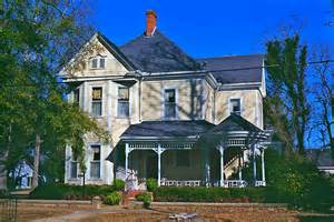 victorian queen anne style house in selma alabama