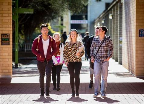 Of Canberra Mba Ranking by Kom Of Canberra Celebrates World Rankings Rise