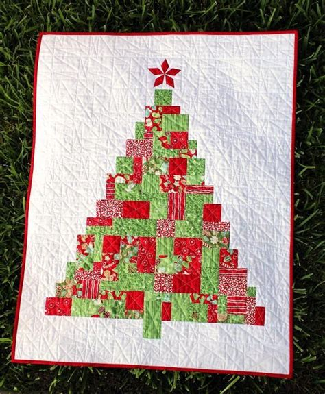 256 best modern christmas quilts images on pinterest