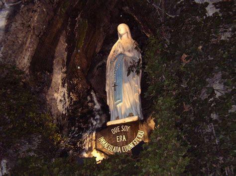 web grotta di lourdes perch 233 lourdes fb toscana