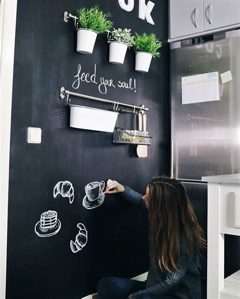 decorar pared de cocina diy c 243 mo crear una pared de pizarra para decorar tu