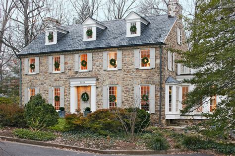 colonial house style get the look colonial style architecture traditional home