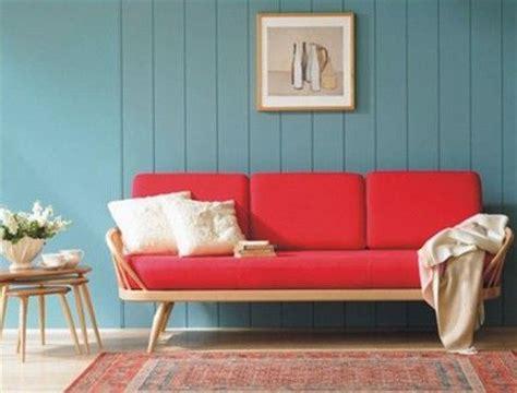 red couch blue walls cocooning les coulisses de la r 233 daction